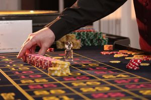 CHOOSE AN ONLINE CASINO THAT IS BEST FOR YOU